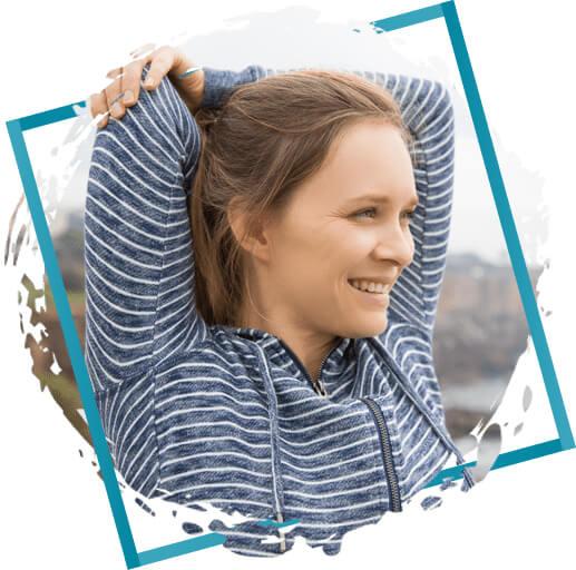 mulher exercitando o ombro em sjc